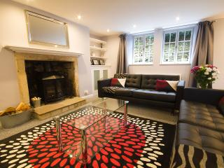 Stunning Period 3 Bed Cottage Bath Sleeps 6