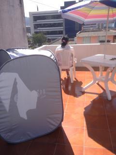Tercer Piso, Vista Excelente a las Montañas. Muebles, parasol, solárium. Piso de cerámica.