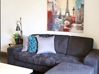 Spacious Modern Midtown Luxury 2-bedroom, 2-bathroom apt., Houston