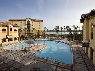 1840 Sf Luxury 3 Bdr Condo-4 Mi to Disney, Orlando