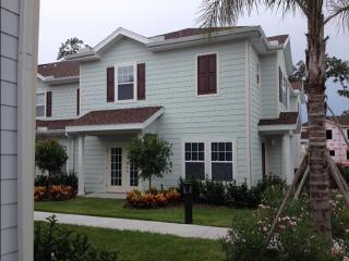 Lucaya Village 4br close to Disney Parks & Outlets, Orlando