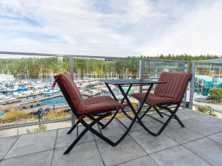 Oceanfront Suite - Excellent Nanaimo location!