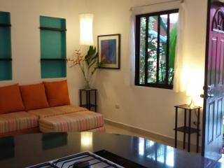 Apt3 Spacious apt 5 min walk to sea