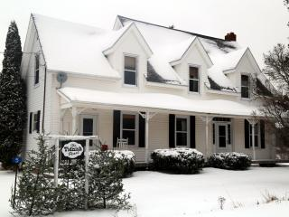 THE TIDNISH PEARL- GRAND HERITAGE NOVA SCOTIA HOME, Amherst