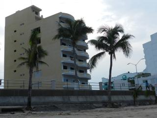 Beachfront New luxury one Master suite 1 1/2 bath condo 202 La Bahia