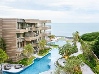 CHARMING & HEAVENLY 2 BDRM BEACHFRONT SUITE, Hua Hin