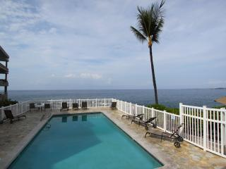 Ocean front pool, Private corner unit, Affordable