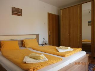Charming Room Dijana close to the Beach