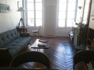 Appartement 2 pièces rue Montmartre, París