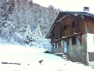 Chalet Enzo - Charming Savoyard farmhouse, Saint Jean d'Aulps