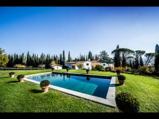 Stunning 5BDR Villa with wonderful pool & grounds!, Impruneta
