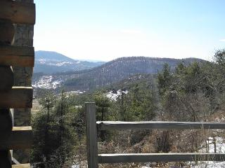 Enjoy mountain Winter Views, & Foosball.  PRESIDENTS DAY WEEKEND AVAIL