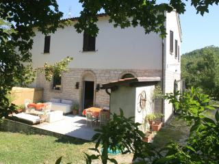 Country House with pool near Urbino and the sea, Cagli