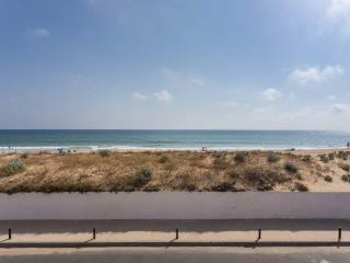 The Best Location Apartment in Faro Beach
