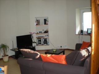 f2 duplex dans maison individuelle, Armoy