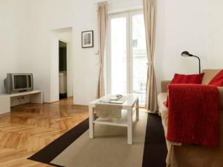 One bedroom apartment near attractions w/ terrasse