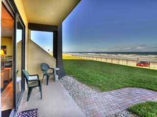 Hawaiian Inn Resort - 2/1 OF - $995 Spring Break, Daytona Beach