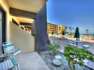 Hawaiian Inn Resort 1 Bedroom 1st floor available, Daytona Beach