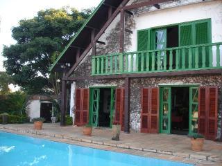 Charme ,conforto e sossego , linda casa mobiliada., Serra Negra