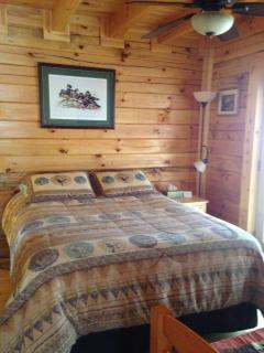 Like New, Gorgeous, Log Cabin on 30 Acre Retreat