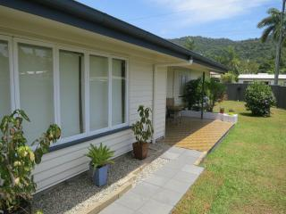 Edge Hill Classic Lowset Queenslander  3 Bedrooms