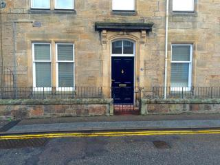 2 Double Bed City Center Ground Floor Apartment, Elgin