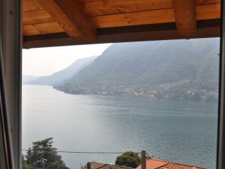 Casa Mirella wonderful Lake view with terrace, Pognana Lario