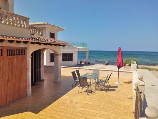 045 Detached house, right on the beach, Son Serra de Marina