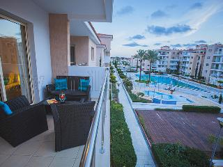 Elysia Park 2 bed Deluxe Apt , Pool view, Paphos