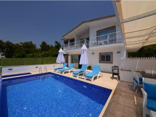 Luxury Villa Üzümlü/2 bedrooms /4 sleeps, Kalkan