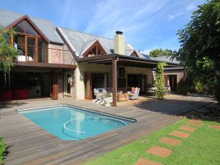 Stunning Villa & Cottage in the heart of Noordhoek