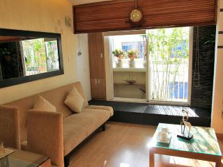 DESIGNED, COZY NICE STUDIO WITH LITTLE GARDEN VIEW, Ho-Chi-Minh-Stadt