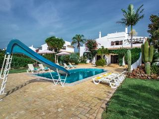 Villa Pirate, Gale, Albufeira