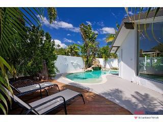 5 Key Court, 'Villa Bianco' Noosa Sound