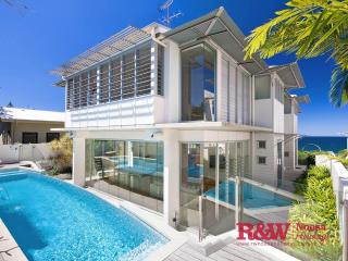 19 The Esplanade, 'Beachshack', Noosa