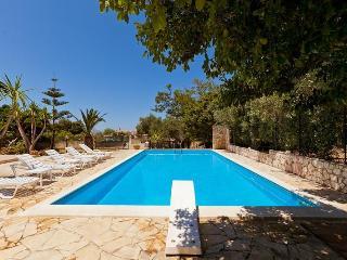 Villa Maya • with amazing pool and garden