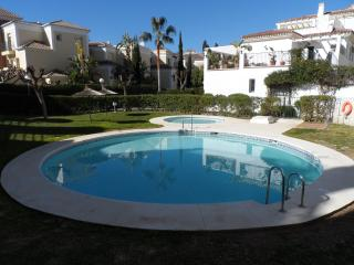 Valparaiso 3 bed air conditioned apartment near Burriana Beach, Nerja