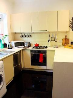 Fully functional kitchen (diswasher ect) with all mod cons and washer/dryer.