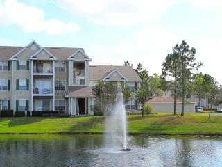Luxury 2 bedroom condo near Disney. Use 'Book Now', Davenport