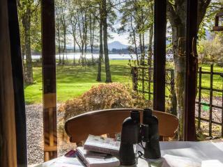 Cosy loch view chalet - Cedar Cabin, Aberfoyle