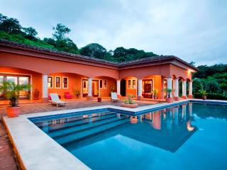 Beautiful House only minutes from Tamarindo