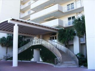 Largest 2 BR Condo on the Beach!, Navarra