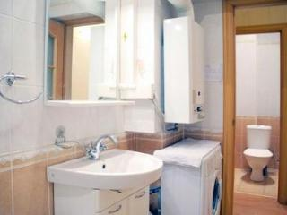 Newly renovated apartment with modern style. - 2632
