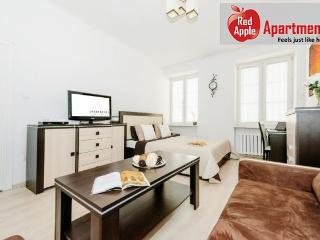 One Room Apartment in the Centre Next to the Metro - 5940, Warsaw