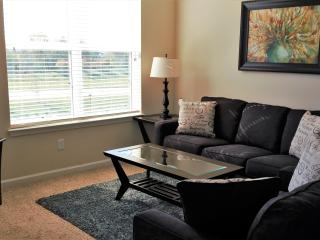 Fantastic 2 BR in Jordan Creek Area! 3411, West Des Moines