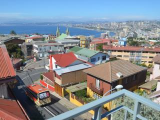Modern Loft Spectacular Views of Valparaiso
