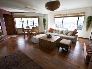 Stylish, spacious, wooden floor & mountain view., Chiang Mai