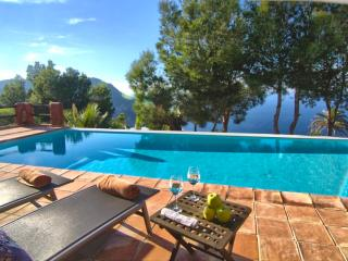 Beautiful Luxurious Villa on a Cliff, Sant Miquel de Balansat