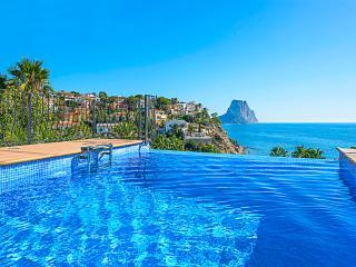 VILLA ALEXIA: stunning seaview, private pool, wifi, Calpe