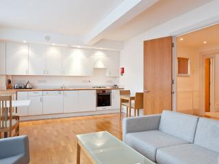 2-Bedroom/Two-Bathroom Serviced Apartment,Holborn, London